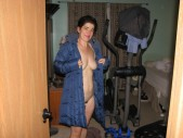 Free porn pics of beth stripping 1 of 7 pics